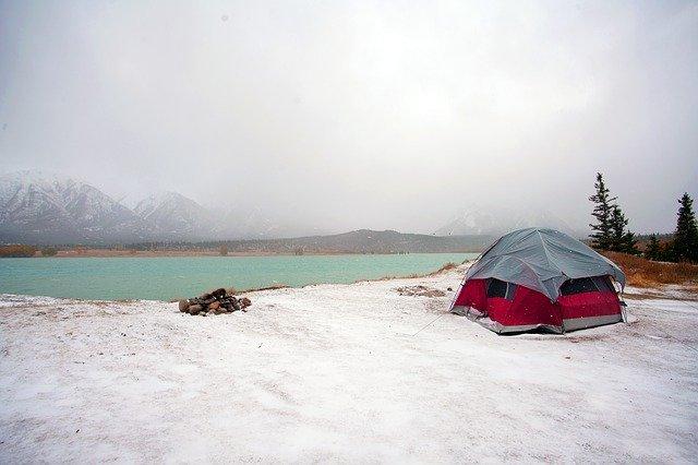 ソロキャンプ冬テント選び